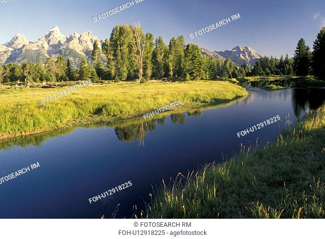 Grand Teton National Park, Snake River, Jackson Hole, WY, Wyoming, Scenic view of the Snake River and the Grand Teton Mountains in Grand Teton Nat'l Park in...
