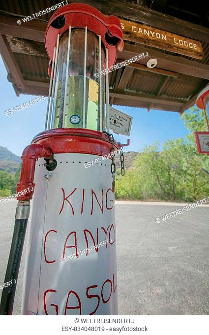 Kings canyon lodge gas station the last on this road
