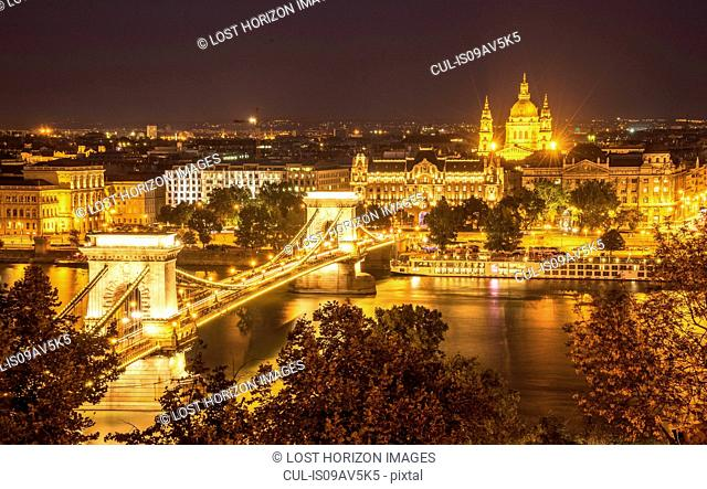 Chain Bridge on the Danube at night, Hungary, Budapest