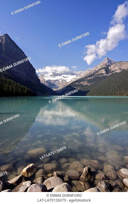 Lake Louise is in Banff National Park in the Canadian Rockies,and is surrounded by large mountains
