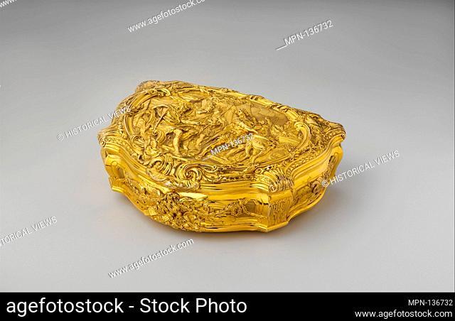 Box with scene depicting Roman hero Gaius Mucius Scaevola before the Etruscan king Lars Porsena. Goldsmith: P R (British
