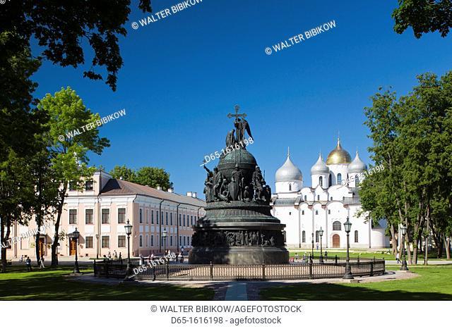 Russia, Novgorod Oblast, Veliky Novgorod, Novgorod Kremlin, Millenium of Russia Monument