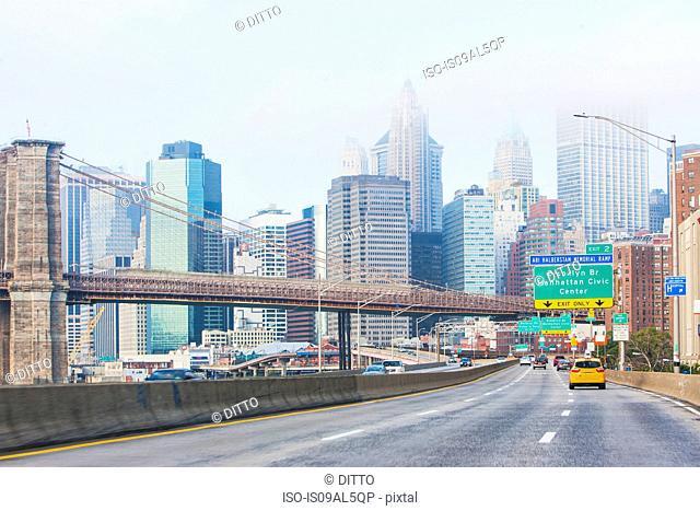 Highway and Brooklyn Bridge, Lower Manhattan, New York, USA