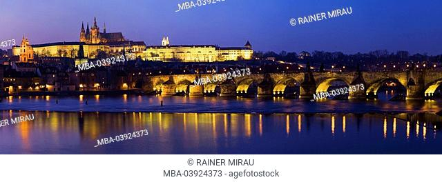 The Czech republic, Prague, city view, Prague Castle, Karls-Bridge, evening-mood