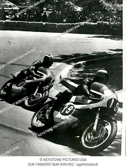 May 07, 1968 - Spanish grand prix-in Barcelona: Photo shows Bill View of England riding a Japanese Yamasha leads Phil Read also of England and riding a Yamaha...