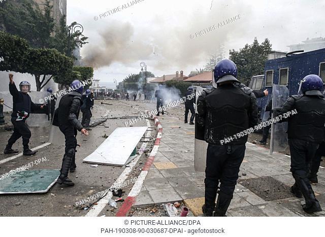 08 March 2019, Algeria, Algiers: Algerian riot police clashes with protestors (not pictured) demonstrating against Algerian President Abdelaziz Bouteflika