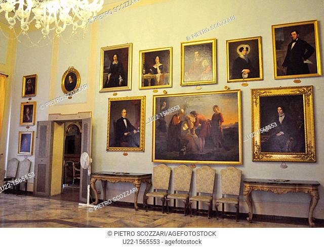 Modena (Italy): paintings in the City Hall