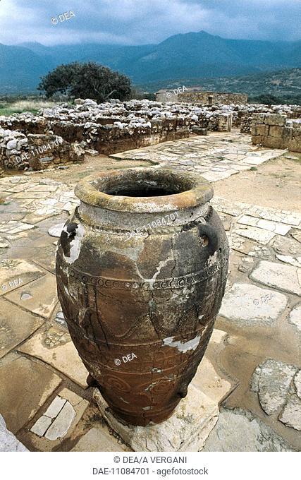 Greece - Crete - Mallia. Amphora. Jar