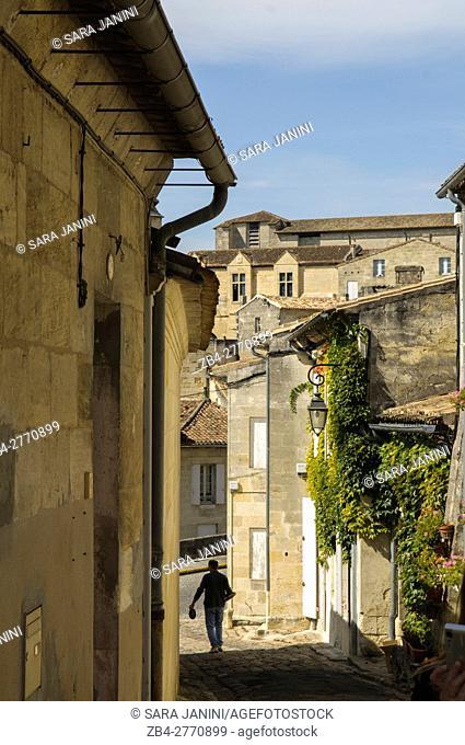 Old Town, St. Emilion, Aquitaine, France, Europe