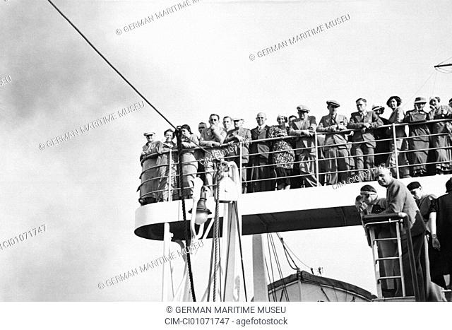 Navigation, passengers, aboard, North German Lloyd, Columbus, passenger liner, sea ship, steamboat, steam navigation, steamer, navigation, on deck