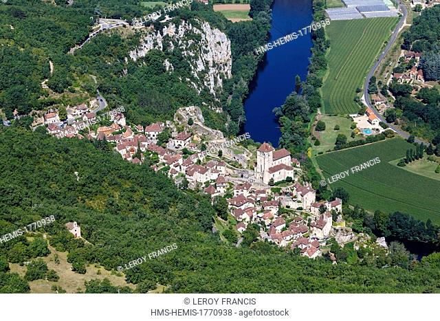 France, Lot, Parc Naturel Regional des Causses du Quercy, Saint Cirq Lapopie, labelled Les Plus Beaux Villages de France (The Most Beautiful Villages of France)
