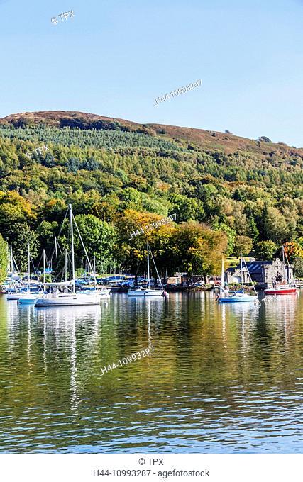 England, Cumbria, Lake District, Windermere, Lakeside, View of Newby Bridge
