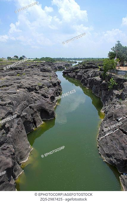 Naturally created potholes (tinajas) on the riverbed of the Kukadi River, Nighoj, Ahmednagar District, Maharashtra