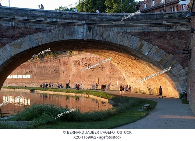 The banks of the Garonne in Toulouse. France