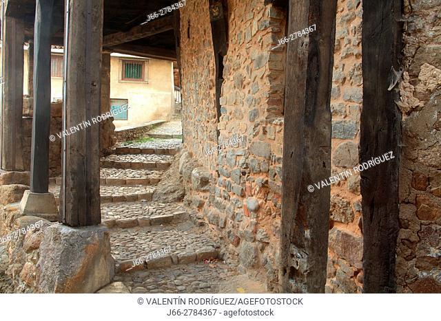 Alley in Villoslada de Cameros in the natural park of the Sierra Cebollera. La Rioja