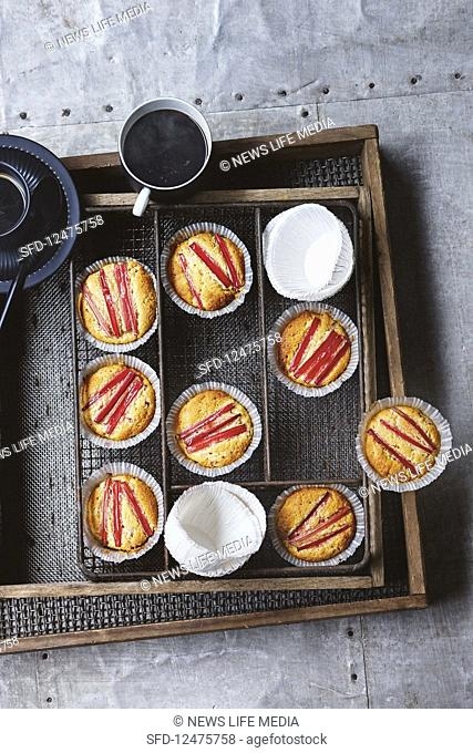 Almond muffins with rhubarb