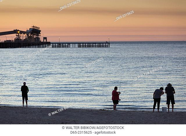 Australia, South Australia, Yorke Peninsula, Wallaroo, town jetty, sunset