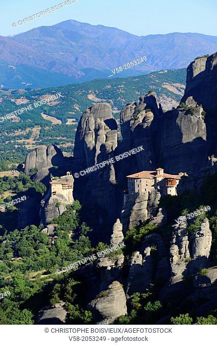 Greece, Thessaly, Meteora, World Heritage Site, Roussanou (Agia Barbara) nunnery and Agios Nikolaos Anapafsas (St Nicholas Anapausas) monastery