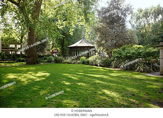 Garden with Conservatory, London