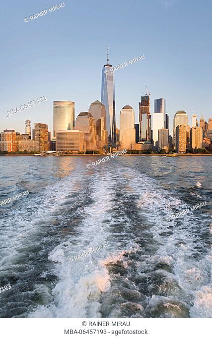One World Trade centre, Manhattan skyline, Hudson River, New York city, the USA