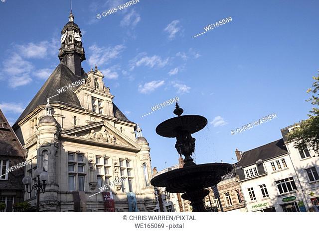 Fountain on Place du Commandant Louis Daudre Peronne Somme Hauts-de-France France