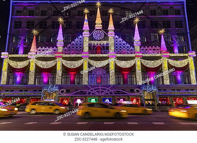 Saks Fifth Avenue NYC Christmas Display - The iconic magical Christmas light show at the flagship Saks 5th Avenue store. And to give one an even bugger sense of...