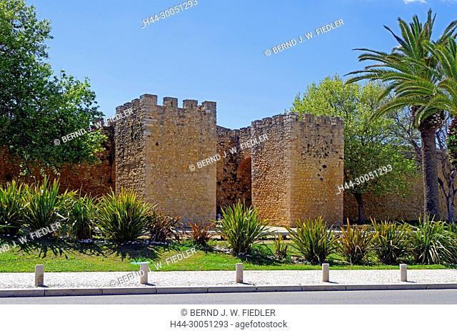 Jardim da Constituiç ã o, Porta de page ã o Gonçalo, town wall, Lagos Portugal