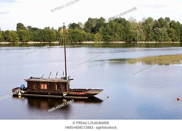 France, Maine et Loire, Anjou, Regional Natural Park of Loire Anjou Touraine, listed as World Heritage by UNESCO, toue, typical small boat of Loire River