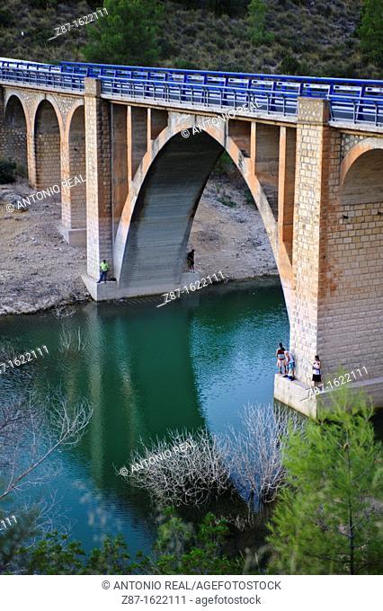 Puente de Hijar bridge over Segura river, Sierra del Segura, Albacete province, Castilla-La Mancha, Spain
