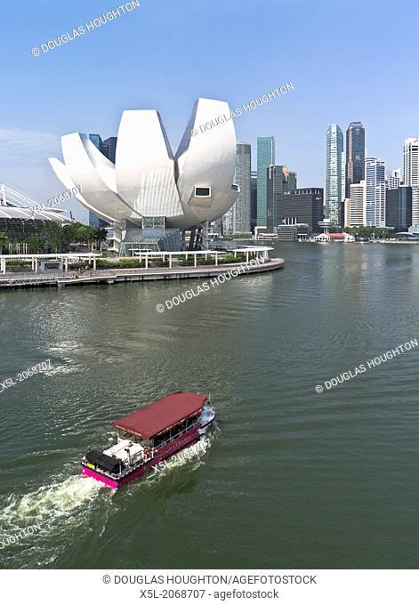 MARINA BAY SINGAPORE Marina Bay Sands Hotel Wacky duck boat