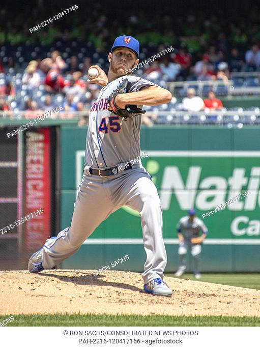 New York Mets starting pitcher Zack Wheeler (45) works in the second inning against the Washington Nationals at Nationals Park in Washington, D.C
