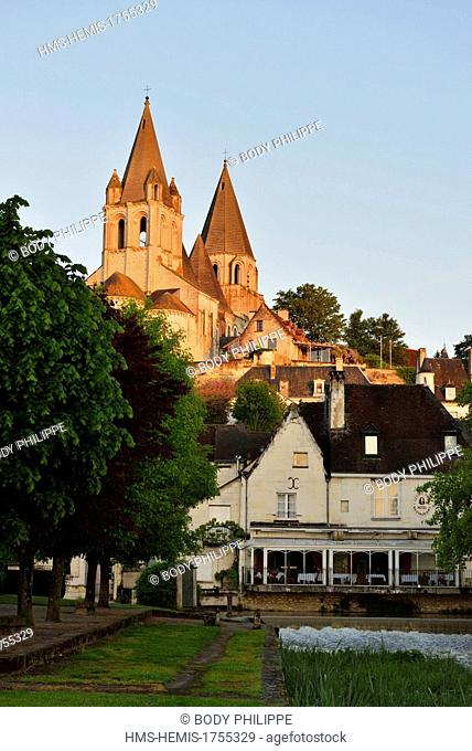 France, Indre et Loire, Loches, the collegiate church Saint Ours roman and gothic style, dated 11th and 12th century and the houses along the Indrois river
