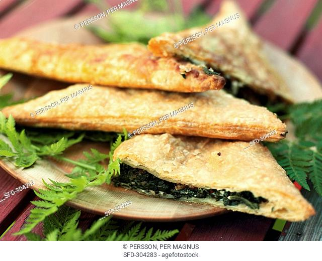 Spinach and sheep's cheese pasties in puff pastry