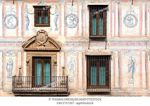 Façade of a XVI century palace, now a hotel, in the Albaicín, Granada's characteristic Moorish quarter. Granada, Granada province, Andalusia, Spain