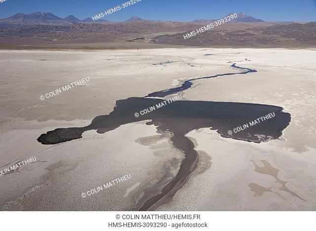 Chile, Antofagasta region, San Pedro de Atacama, Atacama salar at the foot of the Licancabur and Lascar volcanoes of the Andes