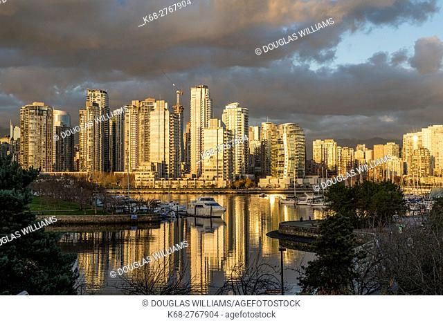 Canada, British Columbia, Vancouver, Reflection at sunset on False Creek