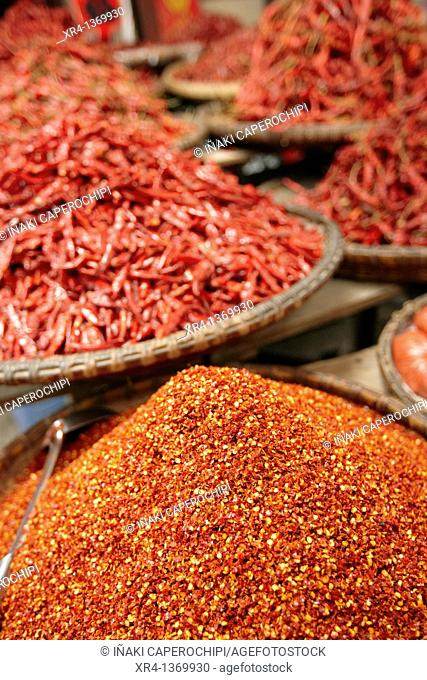 Tiendas de especias, Mercado de Rongjiang, Rongjiang, Guizhou, China