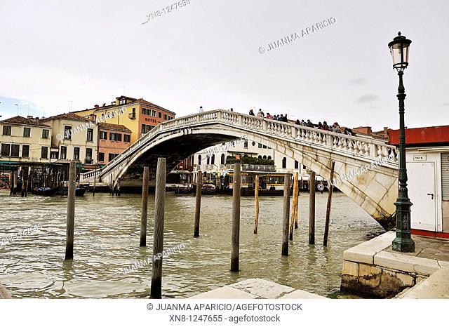 Vista del Ponte degli Scalzi in the Grand Canal in Venice, Italy