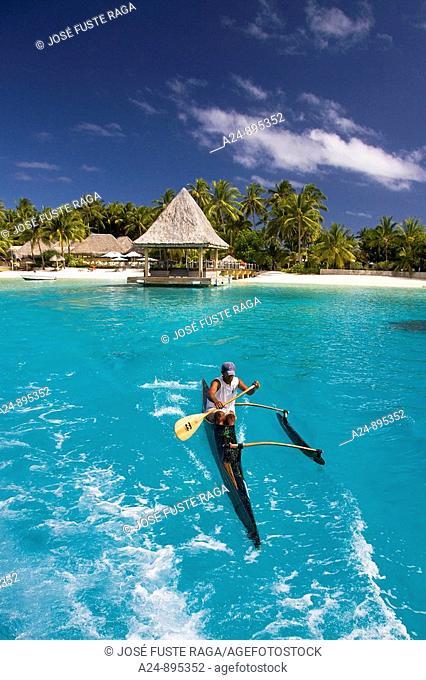 Canoe, Matira, Bora Bora island, Society Islands, French Polynesia (May 2009)