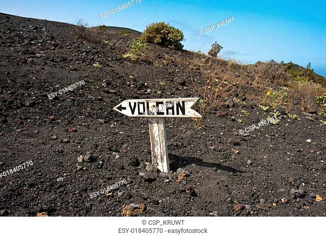 Signpost to volcano at La Palma