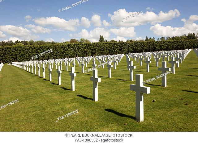 Romagne-Gesnes, Meuse, France, Europe / Rows of white marble headstones in the Meuse-Argonne American Military cemetery for the First World War battle of Verdun