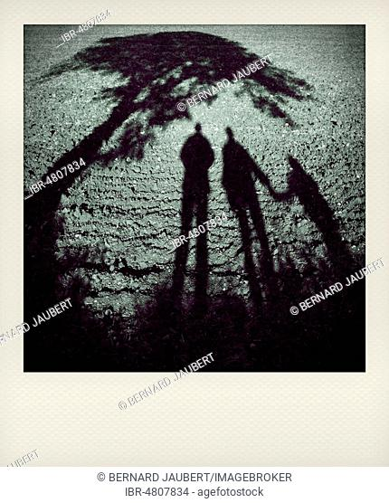 Polaroid effect of a family, France