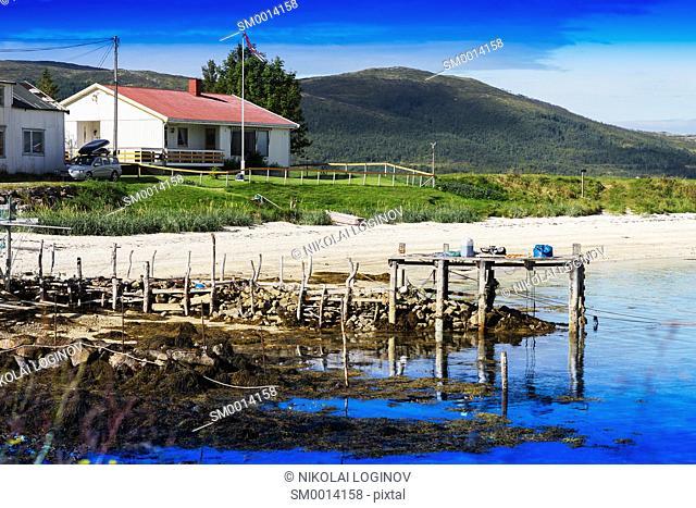 Old broken pier landscape background hd
