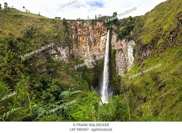 Sipiso piso waterfall near Berastagi and Lake Toba in North Suma, Island of Sumatra, Indonesia, Southeast Asia