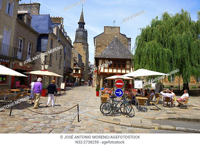 Dinan, Rue de l'Horloge, Old Town, Bretagne, Brittany, Côtes d'Armor Department, Chateulin distict, France