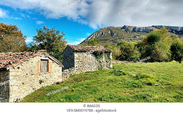 Cabins near Pedroveya village, Quirós municipality, Asturias, Spain