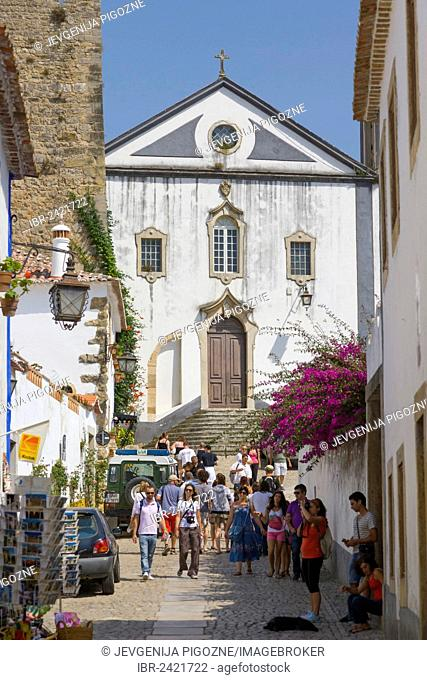 Rua Direita with Igreja de Sao Tiago, Sai Tiago Church, Castelo de Obidos, Obidos Castle, Obidos, Leiria District, Pinhal Litoral, Portugal, Europe
