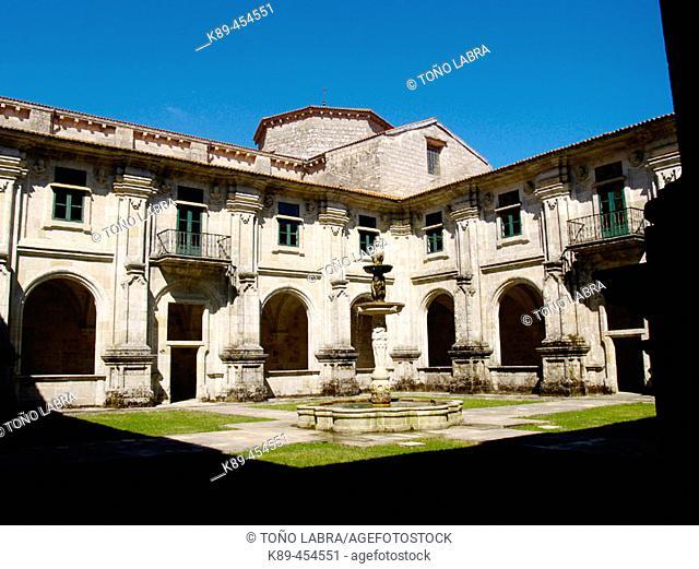 Cloister, Santa María de Oseira monastery. Orense province, Galicia, Spain