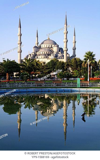 The Blue Mosque, Sultanahmet, Istanbul, Turkey