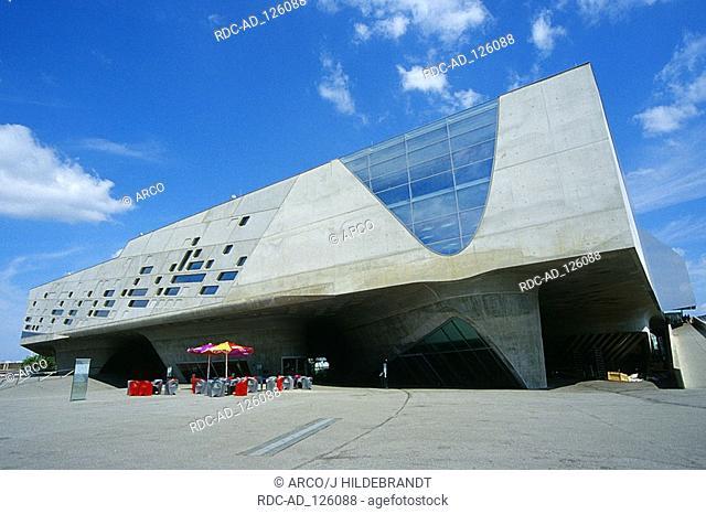 Phaeno - Die Experimentierlandschaft museum of science Wolfsburg Lower Saxony Germany architect: Zaha Hadid